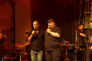 Die beiden Sänger Ron Marsman und Ritchie Alexander aka Dr. Ring Ding